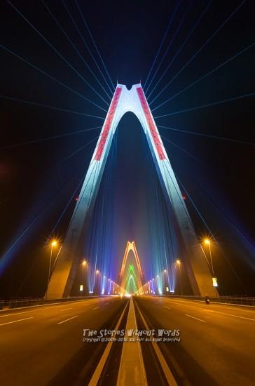 『虹の架け橋』 K-5IIs DA15mmF4 [ F5.6 1/20 ISO3200]