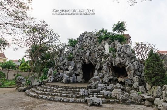 『Artificial cave』 K-5IIs DA15mmF4 [ F5.6 1/180 ISO160]