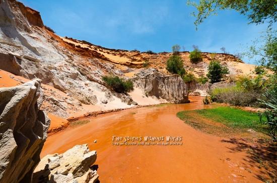 『岩と砂と水と風』 K-5IIs SIGMA 8-16mmF4.5-5.6 [8mm F5.6 1/750 ISO160]