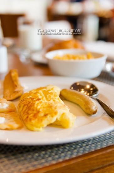 『朝食』 K-5IIs DA★16-50mmF2.8 [50mm F2.8 1/180 ISO800]