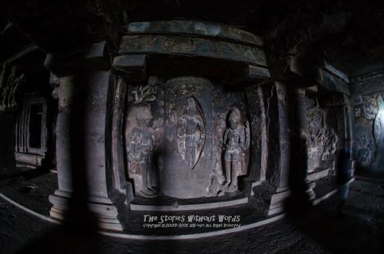 『シヴァ神の誕生』 10 mm-0.5 秒 (f - 2.8)