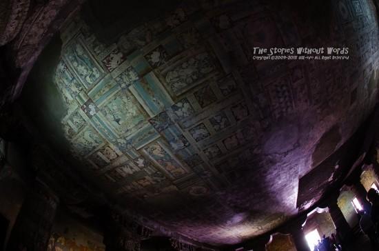 『天井画』 10 mm-1-6 秒 (f - 4.0)