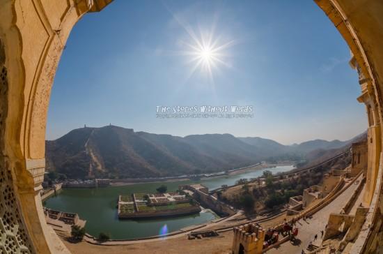『水と太陽』 [10 mm 1-4000 秒 (f - 11) ISO 160]