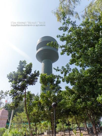 『なんかの塔』 [5 mm 1-1600 秒 (f - 2.8) ISO 100]