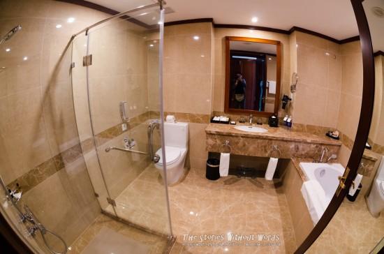 『Bath Room』 K-5IIs[10 mm 1-60 秒 (f - 4.0) ISO 2200]