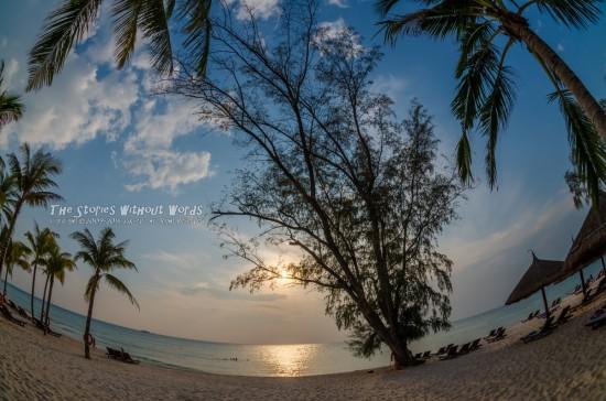 『空と海と太陽と』 K-5IIs[10 mm 1-2000 秒 (f - 11) ISO 160]