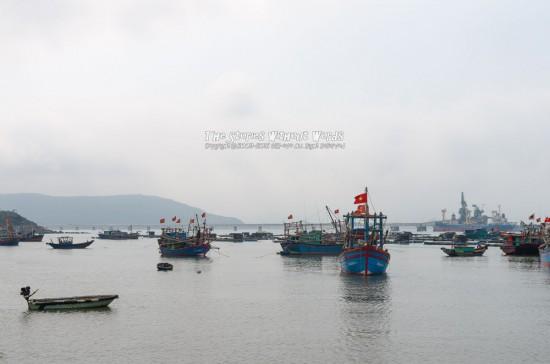 『漁船』 K-5IIs[31 mm 1-2000 秒 (f - 5.6) ISO 160]