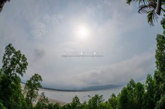 『空と海と太陽と緑』 K-5IIs[10 mm 1-8000 秒 (f - 13) ISO 160]