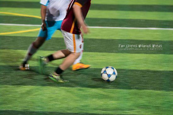 『ボールは友達』 K-1 [300 mm 1-60 秒 (f - 5.6) ISO 6400]