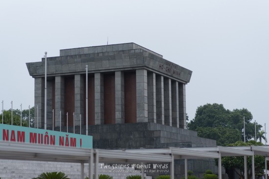 『ホーチミン廟』 K-1 [100 mm 1-2000 秒 (f - 2.8) ISO 200]