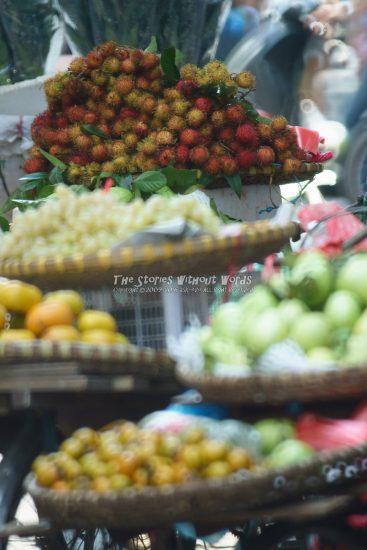 『果物売り』 α7RII [ 1-1000 秒 ISO 5000]