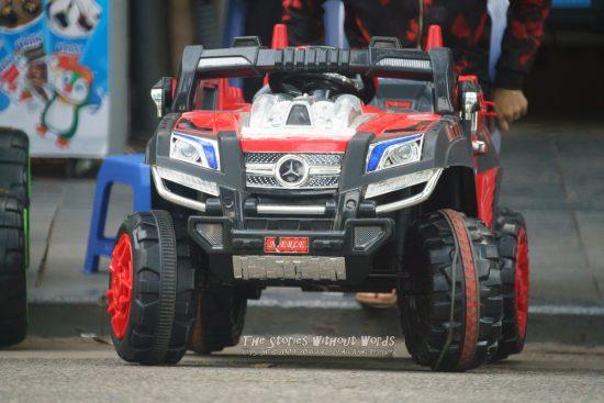 『電気自動車』 α7RII [ 1-500 秒 ISO 6400]