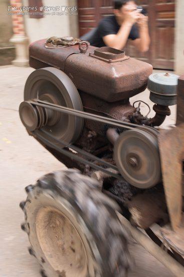 『むき出しのエンジン』 K-1 / FA31mmF1.8 [ F5.6 1/60 ISO280]
