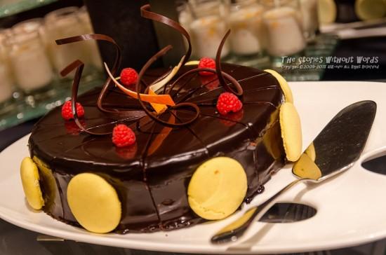 『Bánh sô cô la』 K-5IIs DA*16-50mmF2.8 [50mm F4 1/90 ISO1600]