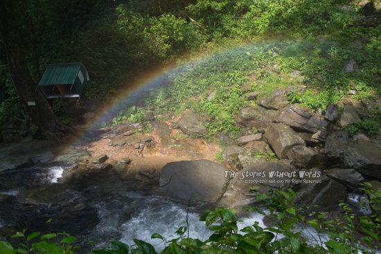 『虹のたもと』 [31 mm 1-125 秒 (f - 5.6) ISO 100]